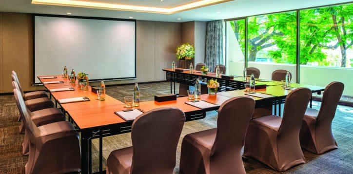 turmeric-meeting-room-001-3