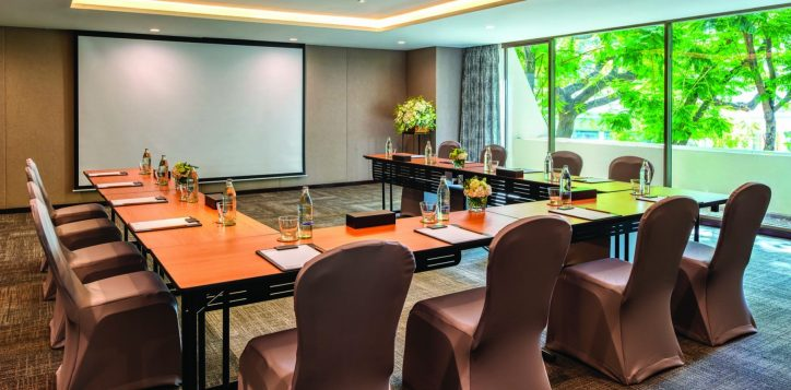 turmeric-meeting-room-001-2-3