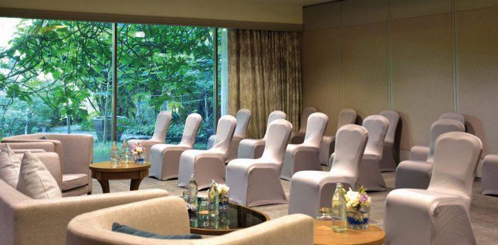 movenpick-bangkok-meeting-room-2